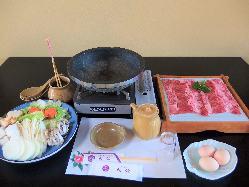 淡路ビーフを使用したすき焼きです。