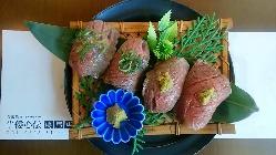 当店自慢の肉寿司♪是非一度ご賞味下さい!