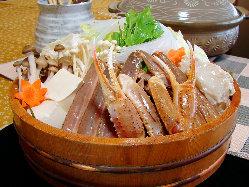 肉厚♪冬季限定かに料理!素材の味が活きる「かにすき鍋」で!