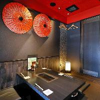 《デザイナーズ空間》 華やかながら落ち着いた雰囲気の店内