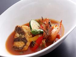 瀬戸内の魚介類、島の旬野菜を中心に、特に新鮮な素材をご用意