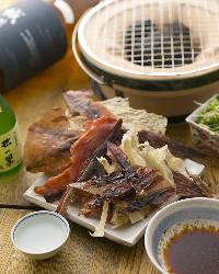 干物をサッと炙ってお酒をたしなむ。京都のお酒と店主の厳選焼酎