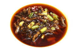 四川省出身のシェフが、スパイスにこだわった本格的な四川料理