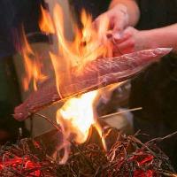 本格藁焼きが名物のお店。カツオの塩たたきがオススメ。