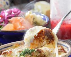 『ミートドリア』は、煮込まれた挽肉とチーズの塩加減が絶妙!