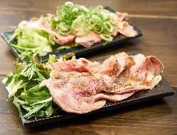 当店自慢のおすすめ料理!ローストビーフ丼!