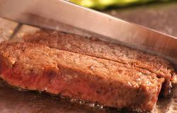 淡路牛をはじめとしたこだわりの国産牛を鉄板焼きで
