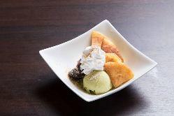 お食事の〆は韓国屋台で人気のスイーツ『ホットックアイス』で♪