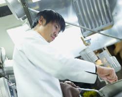シェフが腕をふるうイノベーション。魅せる料理を堪能して。