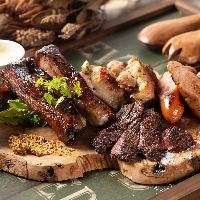 厳選されたお肉の種類を豊富に用意。旨味を凝縮したお肉をぜひ。