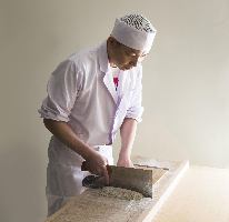 国内外で修行を積み、蕎麦の美味しさを皆様にお伝えしています