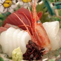 地酒をはじめ、料理に合う日本酒を多彩に取り揃えております。