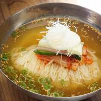 さっぱりした味わいの「特製冷麺」は焼肉の〆にぴったり!