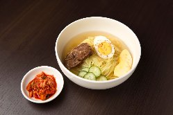 本場の盛岡冷麺。木曜日は半額祭り♪800円→400円