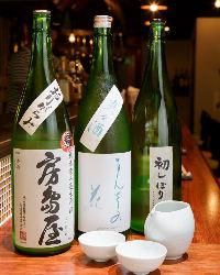日本酒、焼酎、泡盛など取り揃え豊富。