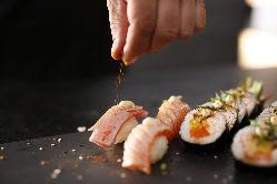 新鮮な鮮魚を毎日仕入れ、美味しいネタ揃ってます
