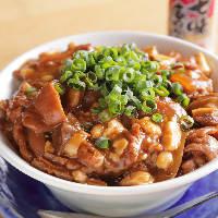 当店アラカルトにて1番人気の「上海焼きそば」