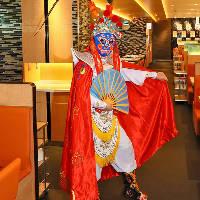 〈話題〉 カンフー麺ショーや中国の秘技『変面ショー』を開催