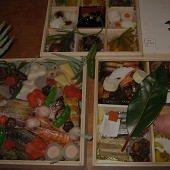 おせちなど、季節ごとの特別料理や松茸料理もご用意できます。