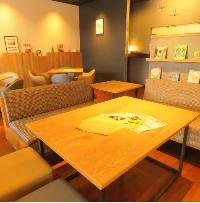 6名様までご利用可能なソファー席は女子会、ランチ会に人気☆