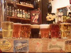 世界各地の個性豊かなクラフトビールを約60種類ラインナップ!
