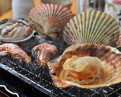 新鮮な魚介や野菜を、当店自慢の浜焼きでお楽しみ下さい♪