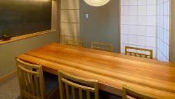 特別な日のお食事にぴったりな個室もご用意致しました。