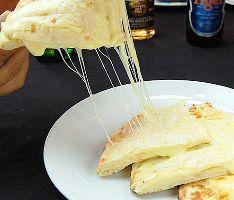 チーズナンは大人気です♪