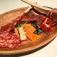 イタリアン、和食の絶品お料理&お酒が楽しめます
