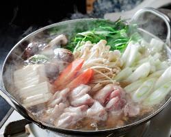 絶品の鍋料理も1年通して人気!!