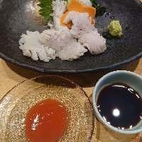 と魚人気の一品。 ハモと日本酒は合いますよ。