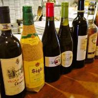 ワインは常時30種類をご用意!ワイン会も定期的に開催!