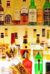 ウイスキーは随時入れ替えしているので棚をご覧ください