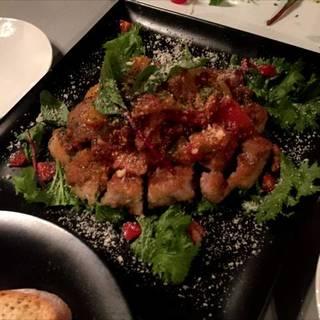 鶏もも肉のミラノ風カツレツ