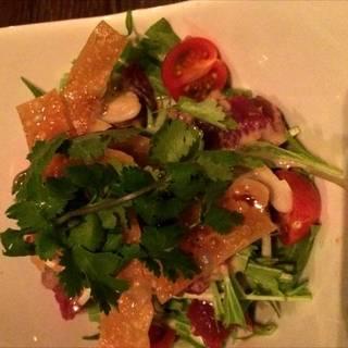ダチョウの中華風サラダ