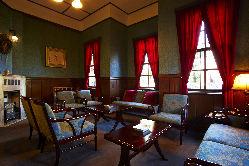 大正初期の洋館 待合室や記念写真にご利用頂いております