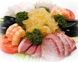 自家製広東叉焼など見ても楽しい中国料理の前菜です。
