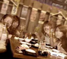 みんなで集まり大いに盛り上がれる場所は昭和食堂!