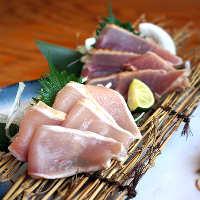 【鶏たたき】 日本酒と合わせて!鮮度が自慢です!