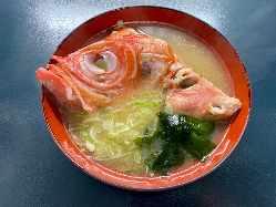 本日の伊豆地魚三昧 新鮮なネタをセットでご提供。
