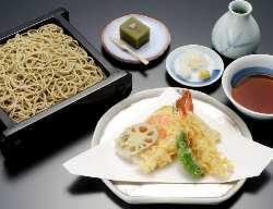 「連雀」藪のせいろうそばと天ぷら盛り合わせ 税別2,300円