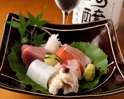毎日仕入れる鮮魚。天然もののお刺身をお愉しみいただけます