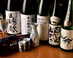 季節限定酒やプレミアム酒も◎常時10種類以上の地酒をご用意