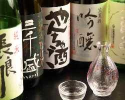 岐阜の恵まれた自然から生まれる地酒を多種取り揃えております。