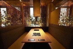 和の雰囲気漂うお席は、まさに大人の隠れ家風のお部屋です。
