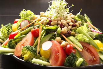 こだわり野菜と鮮魚のお店 菜な蔵屋
