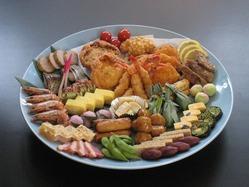 お祝いや法事などの仕出料理も各種取り揃えています。