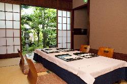 【一階個室】庭に隣接する プライベートな個室
