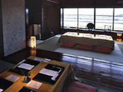 【二階個室】落ち着いた雰囲気と 長良川を一望できます