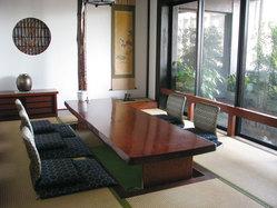 日本庭園の見える堀席個室も多数ございます